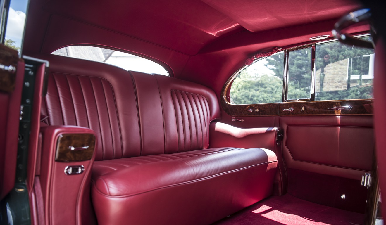 100 roll royce royal rolls royce unveils a phantom drophead coup 2018 rolls royce. Black Bedroom Furniture Sets. Home Design Ideas