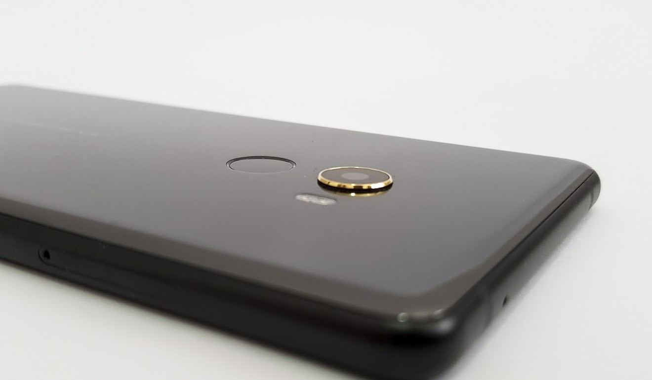 Xiaomi Mi Mix 2 Full Review Elegant Smartphone With A Lot Of Good Dock Built Inside Mans Prosthetic Arm The 18 Carat Gold Trim Around 2s Camera Photo Ben Sin