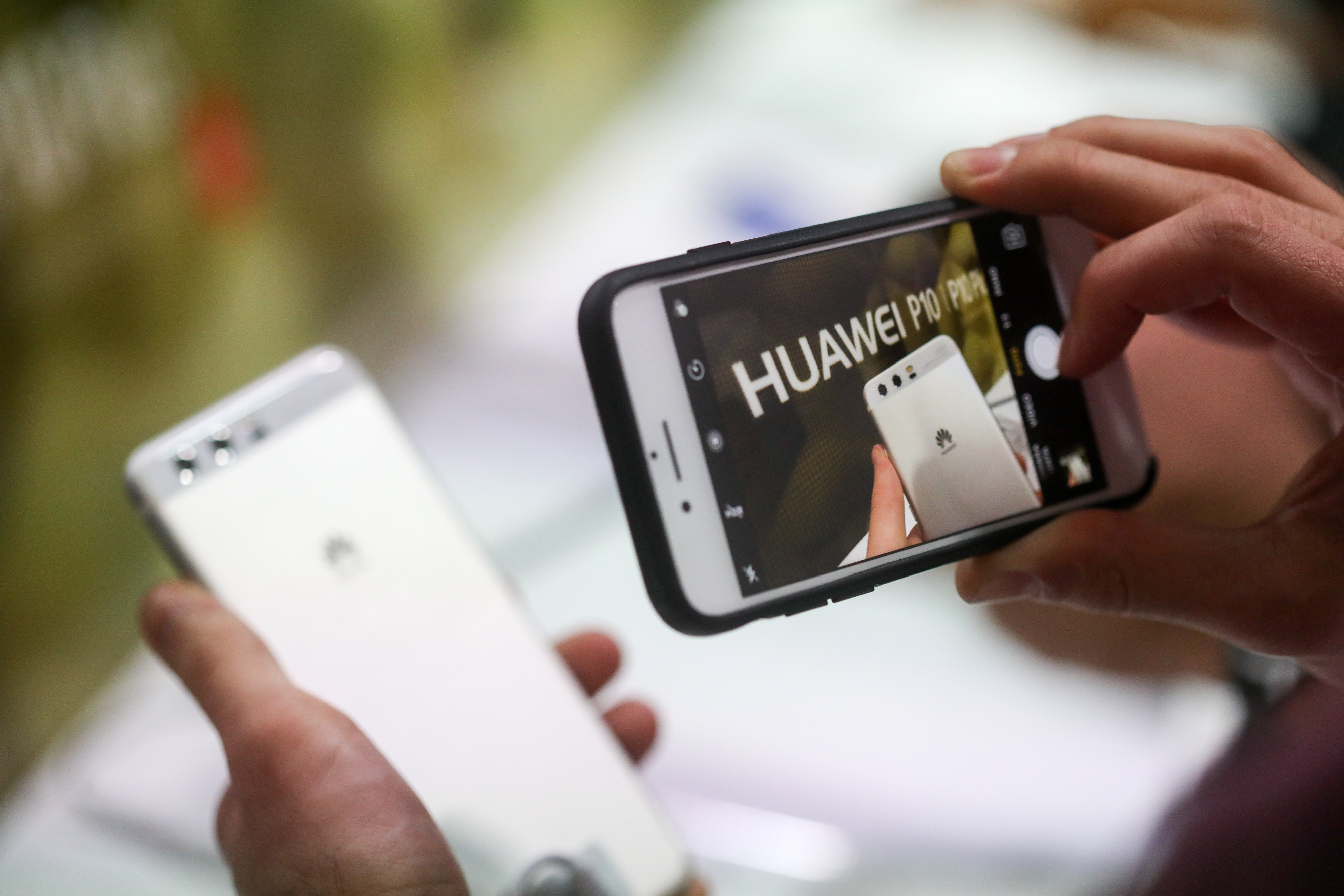 Coming to America: Huawei aims to make a big splash in