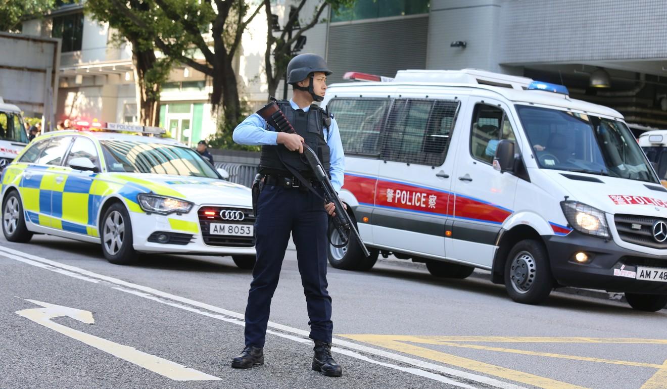Watch Cops pop kim for speeding away from paparazzi video