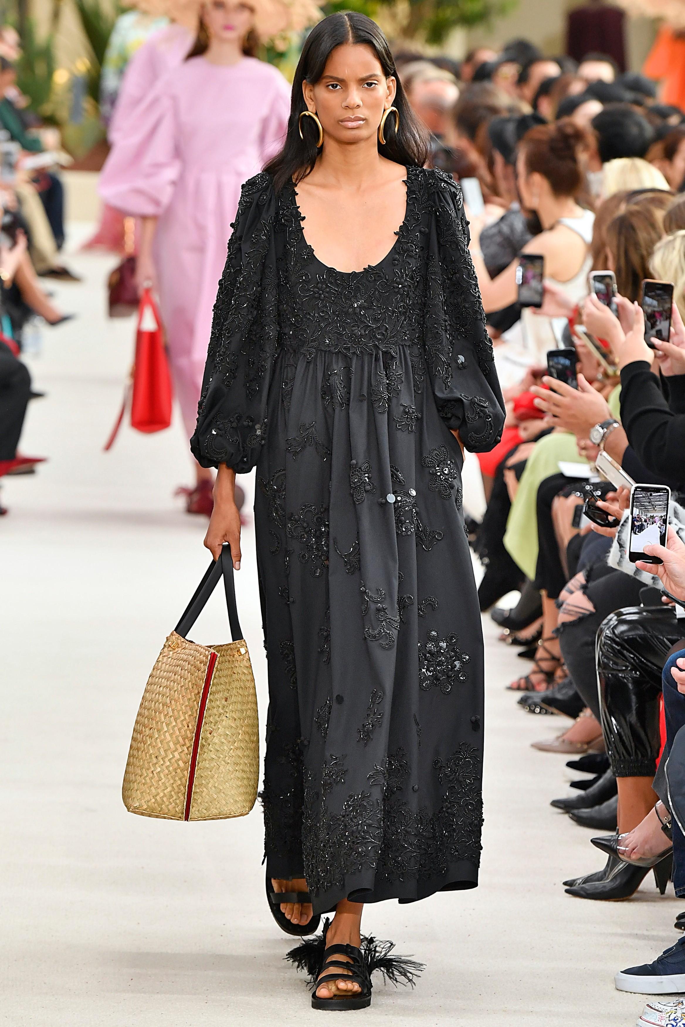 Looks - Fashion spring trend black video