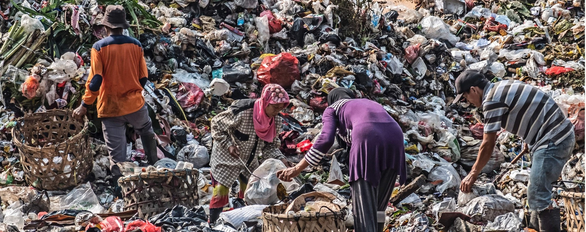 Scavengers at a garbage dump in Jakarta. Photo: AFP