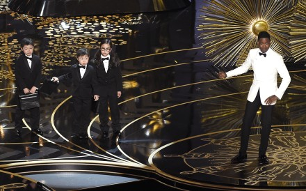 Oscars host Chris Rock pokes fun at Asians while lamenting the lack of diversity – only in the black context. Photo: AP