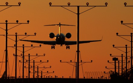 A plane comes in for a landing at Los Angeles International Airport (LAX). Photo: AFP