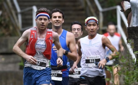Jeff Campbell leads the Lantau 2 Peak, with Michael Skobierski (blue) hot on his heels. Photos: Action Asia