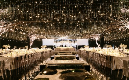 The wedding reception at Alila Uluwatu was held in an air-conditioned tent with its own zen garden raised specially for the wedding. Photos: Erin & Tara