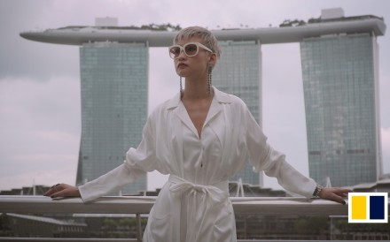 Fashionista Esther Quek shows off Singapore's must luxurious hangouts. From rooftop bars to exlusive member's clubs, the places where Singapore's crazy rich Asians go to be seen. 