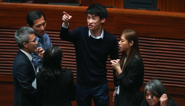 Hong Kong pan-democrats question provision of HK$320 ...