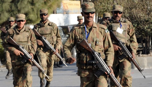 Pakistan army kills senior militant wanted for targeting Shiites