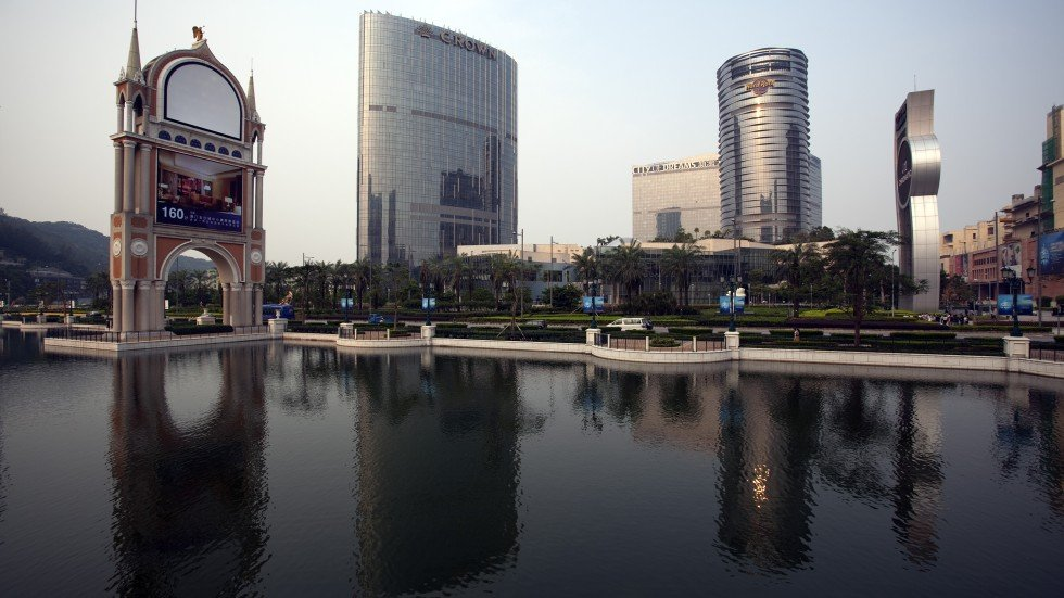Louis xiii holdings raises hk 2 1 billion for macau luxury for Most expensive hotel in macau