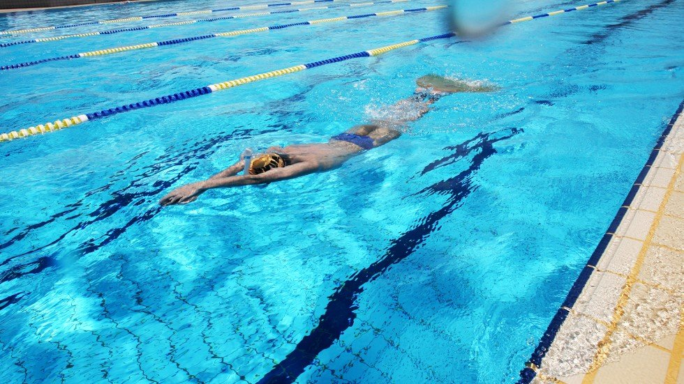Ten People Treated In Hospital For Chlorine Poisoning At Chinese Swimming Pool South China