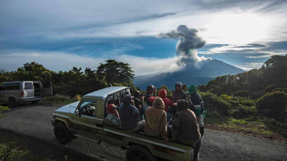 Costa Rica Volcano Eruption Chokes Towns In Smoke And Ash