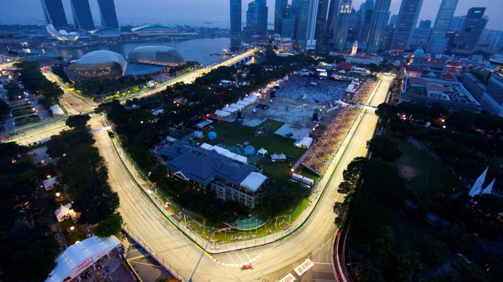 singapore grand prix may stay beyond 2018 but not on frustrated bernie ecclestone s terms. Black Bedroom Furniture Sets. Home Design Ideas