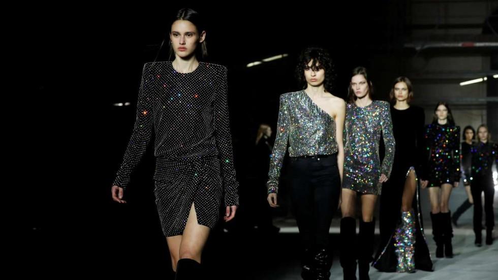 Three takeaways from saint laurents autumn winter 2017 fashion show elisabeta tudor stopboris Image collections