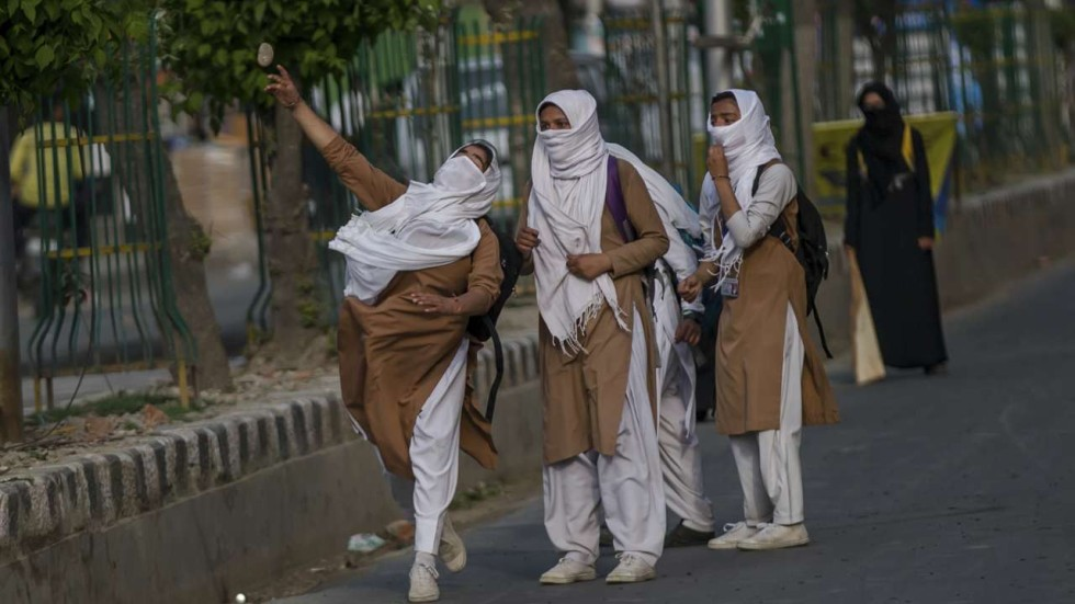 The New Weapon In Indias Kashmir Conflict Teenage Girls With Stones  South China Morning Post-5535
