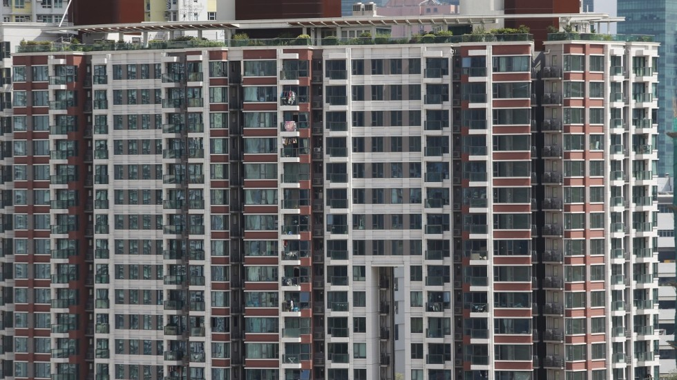 Hong Kongs Home Prices May Fall By Half In Next 10 Years Deutsche