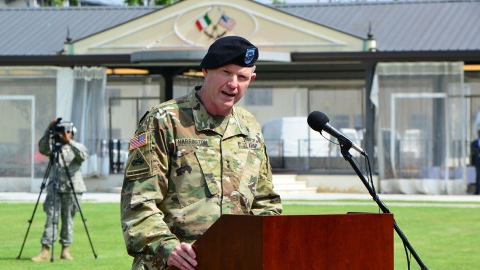 us army general under investigation for sending racy texts to