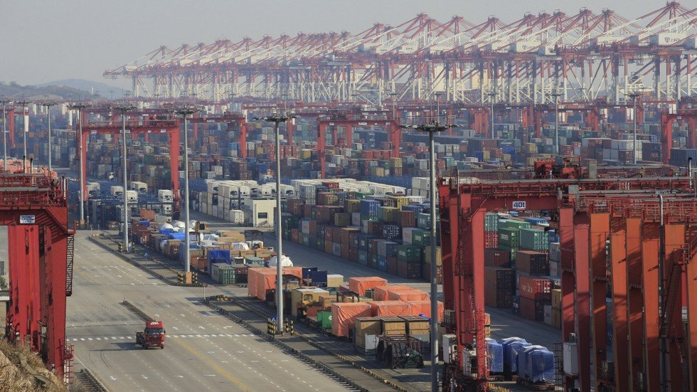 Shanghai port embraces new technology in arms race to ...