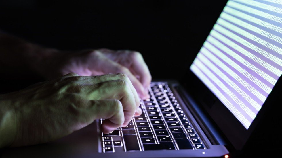 Scammers Use Fake Rsums And Email Viruses To Infiltrate
