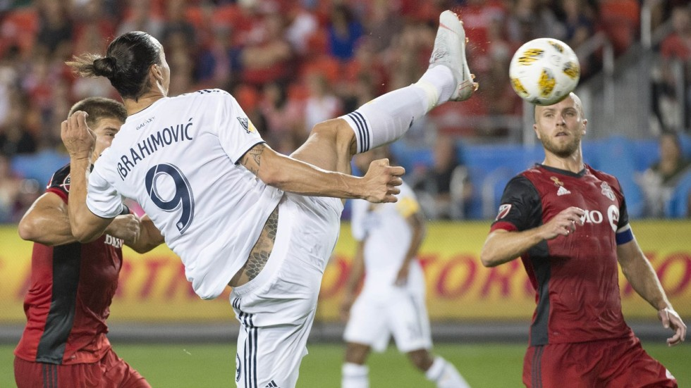 Watch zlatan ibrahimovics outrageous 500th career goal so agence france presse spiritdancerdesigns Images