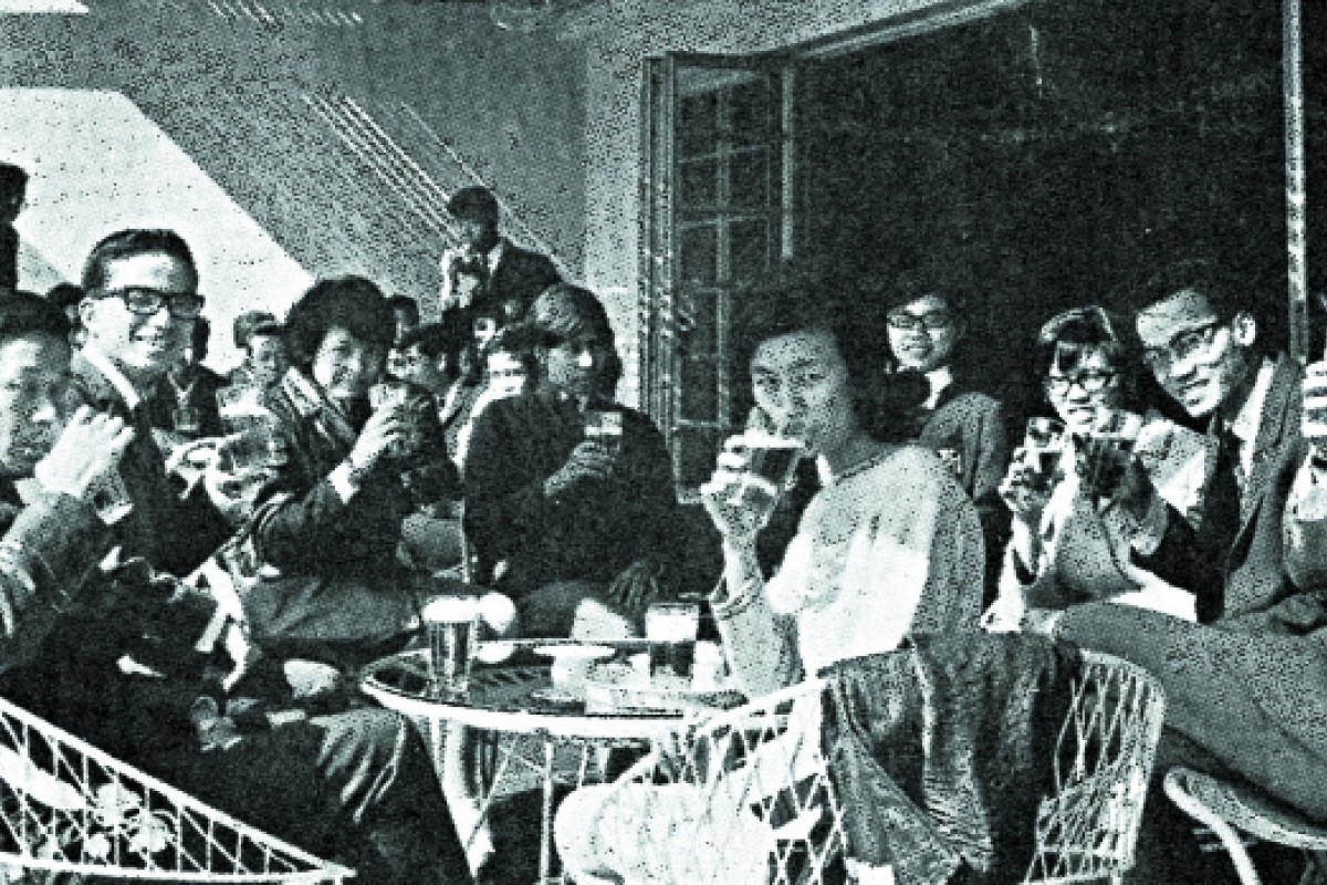 Students drink draught San Miguel at the Brewery Tap Room in 1968.