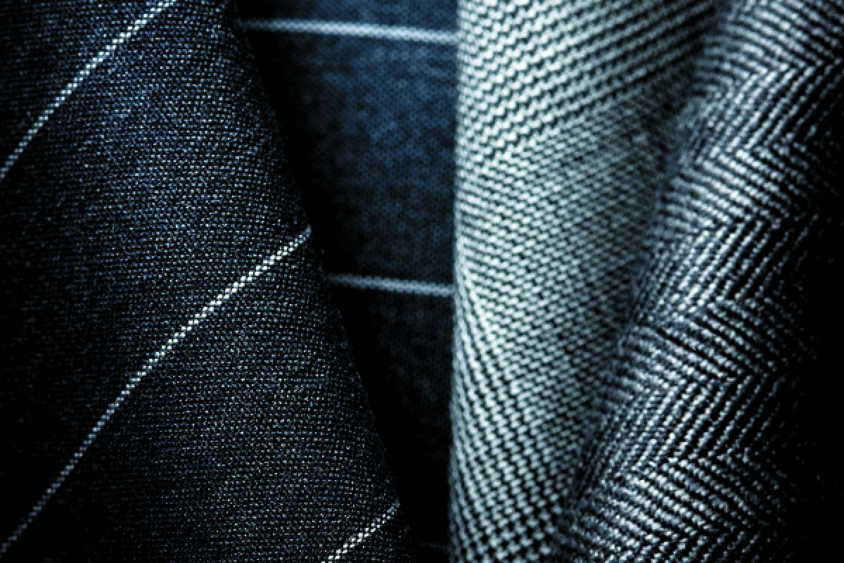 Giorgio Armani uses high-quality wool to produce elegant fabrics for its suits.