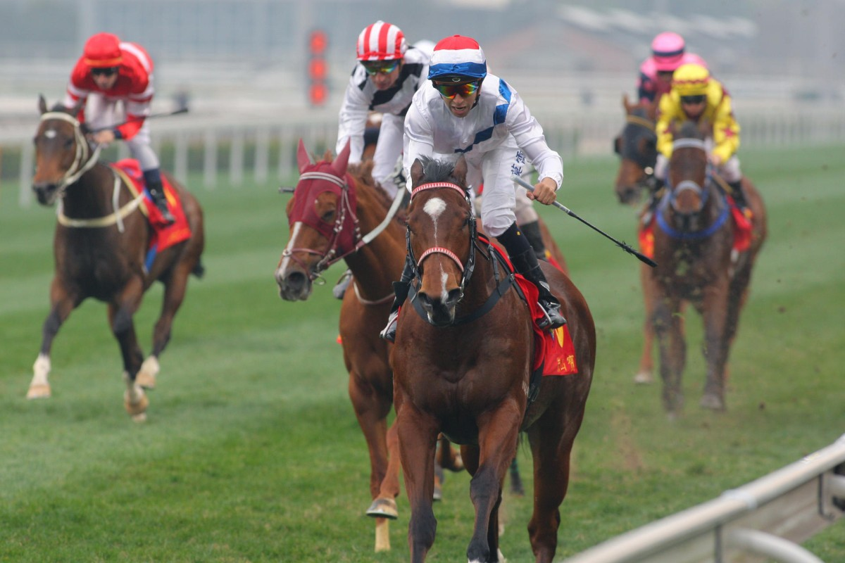 Amber Sky, with Joao Moreira aboard, charges to victory to leave his rivals gasping in the Kent & Curwen Centenary Sprint Cup at Sha Tin on Sunday. Photo: Kenneth Chan