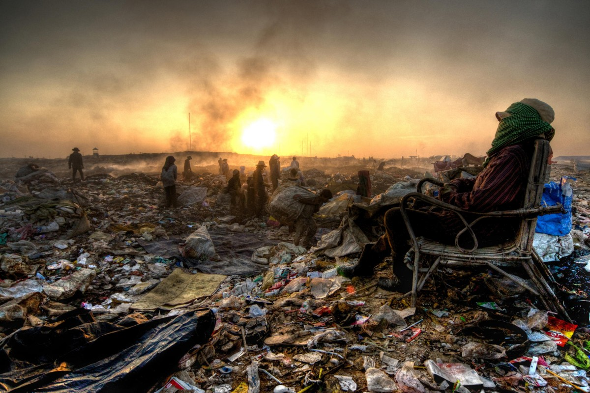 The municipal rubbish dump, in Phnom Penh's Stung Meanchey neighbourhood. Photo: Alessandro Vannucci/Corbis Images