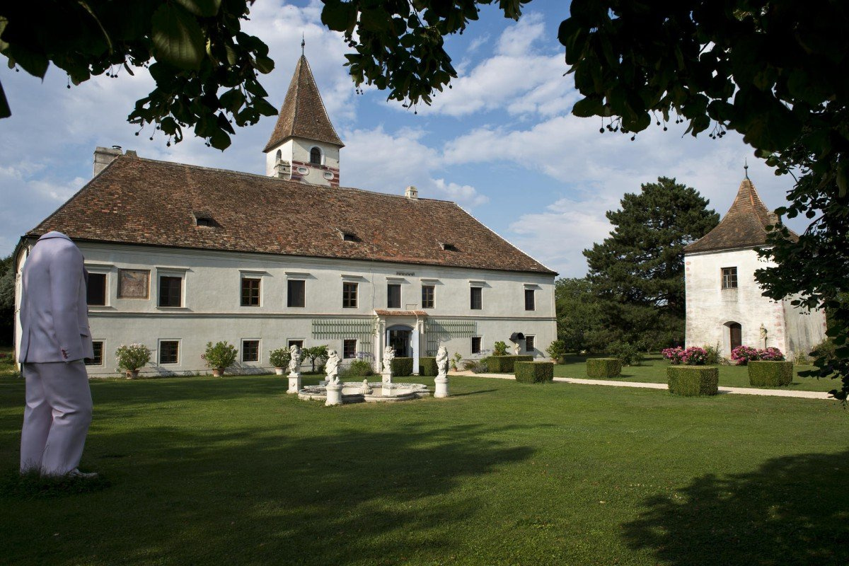 Erwin Wurm's home dates back to the 12th century and was owned by the Stift Altenburg monastery for 150 years.