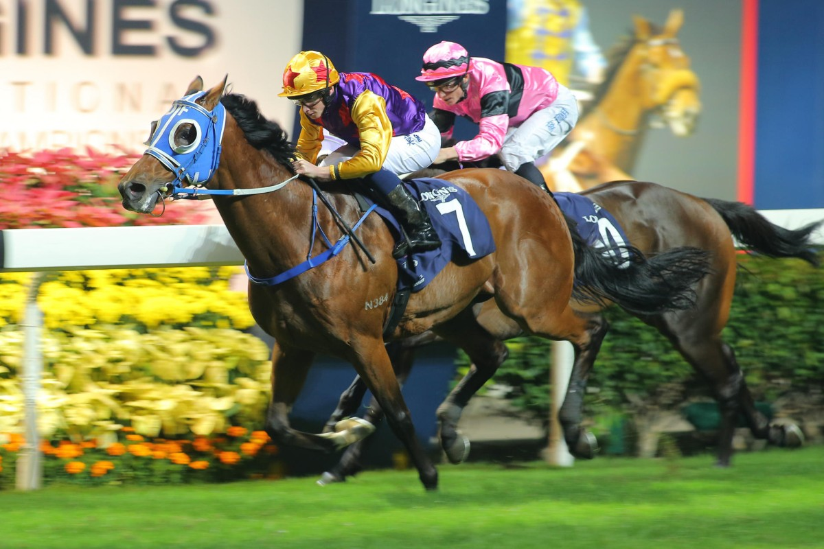Amazingly (Ryan Moore) bursts through to defeat a game Sempiternal (James McDonald). Photo: Kenneth Chan