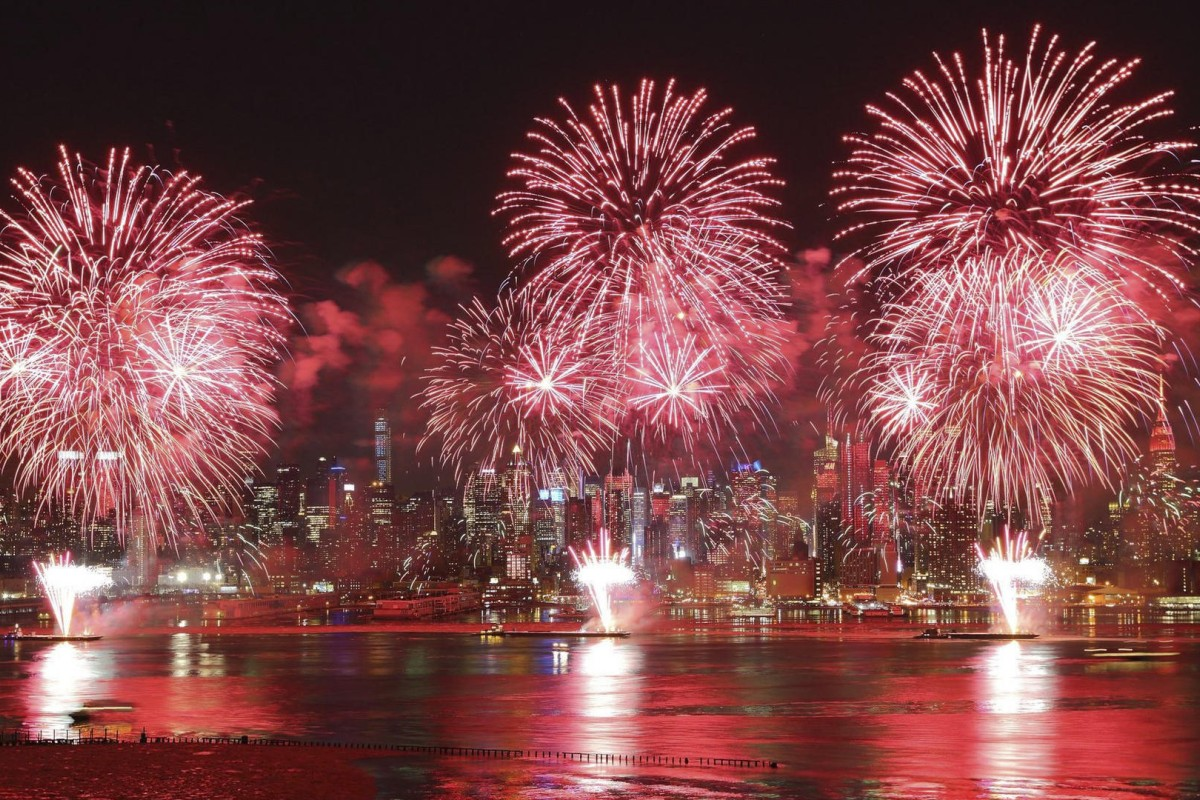 The Lunar New Year fireworks display over the Hudson River, in New York. Photo: China's Central Academy of Fine Arts