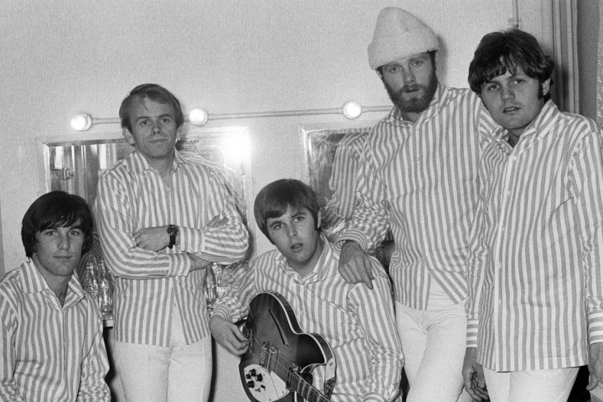 Six Degrees Of Separation From The Beach Boys Post Magazine  # Bois En Chaene