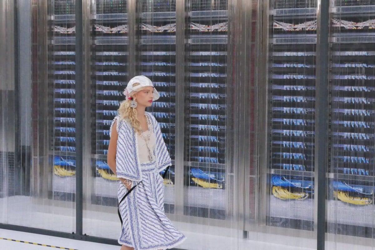 Karl Lagerfeld reincarnates robot look as Chanel goes cyber Photos: Vivian Chen
