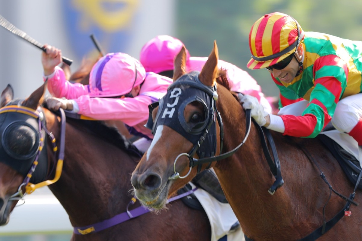 Bamboo Dance races to the lead out wide to make it six on the trot. Photo: Kenneth Chan