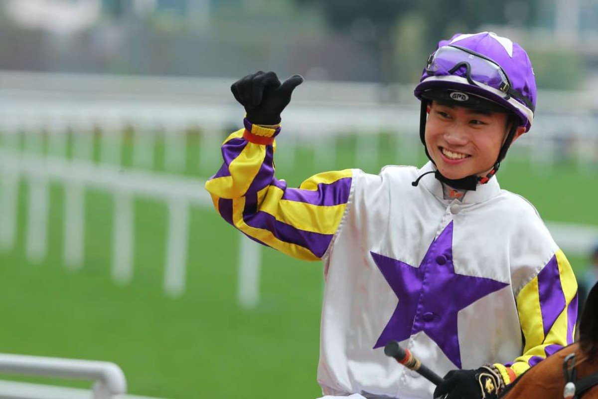 Apprentice Dylan Mo gives the thumbs up after winning on Shamal at Sha Tin on Sunday. Photos: Kenneth Chan
