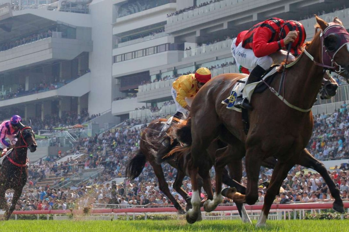 Eagle Way stretches out to win the Group Three Queen Mother Memorial Cup at Sha Tin on Sunday. Photos: Kenneth Chan