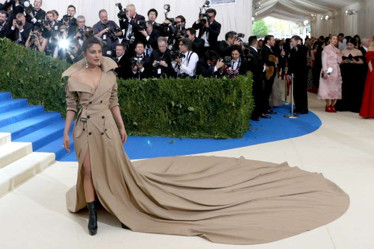 Priyanka Chopra arrives on the red carpet for the Metropolitan Museum of Art Costume Institute's benefit celebrating the opening of the exhibit 'Rei Kawakubo/Comme des Garons: Art of the In-Between' in New York, New York, USA, 01 May 2017. The exhibit will be on view at the Metropolitan Museum of ArtÕs Costume Institute from 04 May to 04 September 2017. EPA/JUSTIN LANE