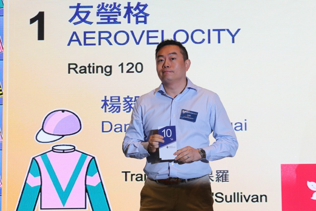Aerovelocity's owner Daniel Yeung Ngai draws barrier 10 in the Chairman's Sprint Prize barrier draw at Sha Tin Race Course. Photos: Kenneth Chan
