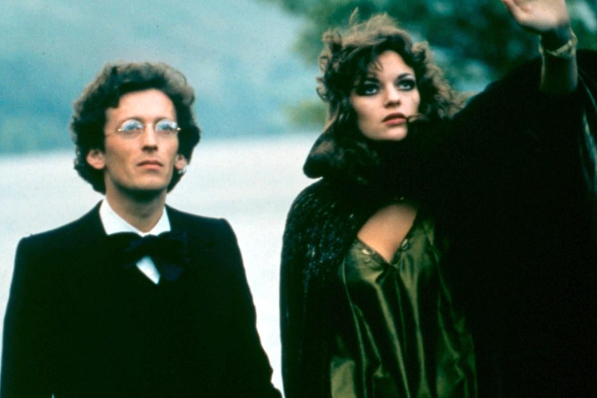 Robert Powell as Gustav Mahler and Dana Gillespie as Anna von Mildenburg in Ken Russell's 1974 biopic.