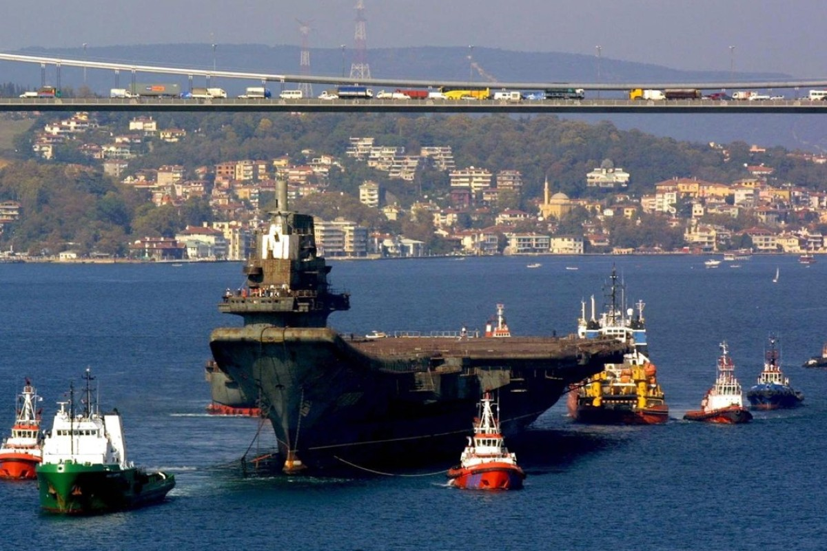 The Liaoning, then called the Varyag, in Istanbul, Turkey, in 2001. Picture: EPA