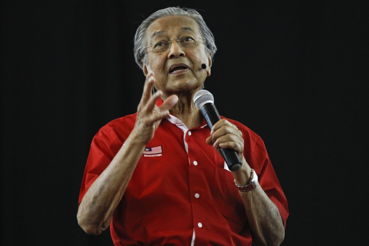 Malaysia's former prime minister, Mahathir Mohamad, speaks in Shah Alam. Photo: AP