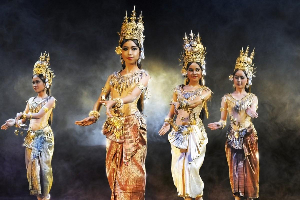 The Royal Ballet of Cambodia will perform Les Étoiles du Ballet at the Hong Kong Cultural Centre.