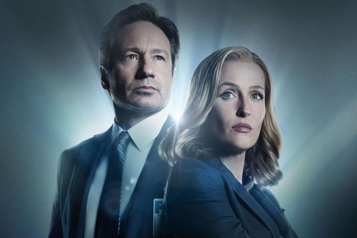 David Duchovny and Gillian Anderson as Fox Mulder and Dana Scully in the X-Files TV series.