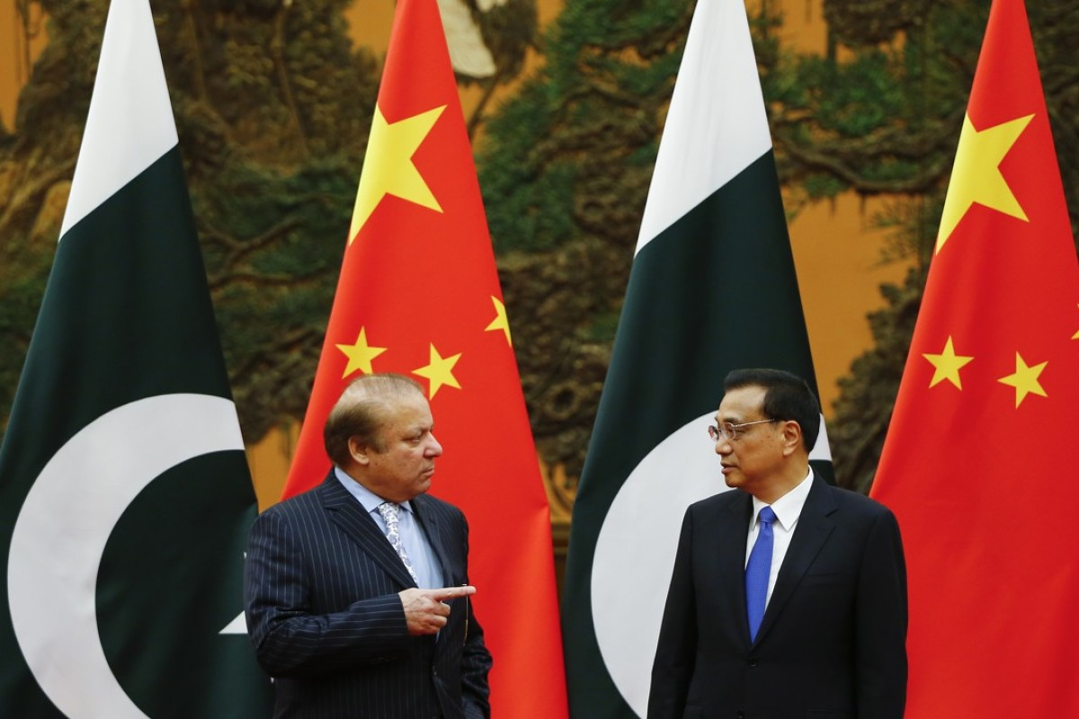 Former Pakistani prime minister Nawaz Sharif and Chinese Premier Li Keqiang in Beijing earlier this year. Photo: AP