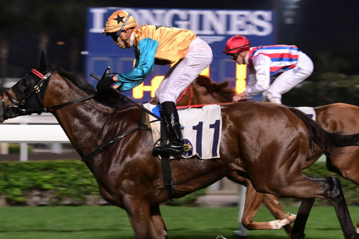 Vincent Ho guide Diamond Dragon (left) to victory at Sha Tin on Sunday. Photos: Kenneth Chan