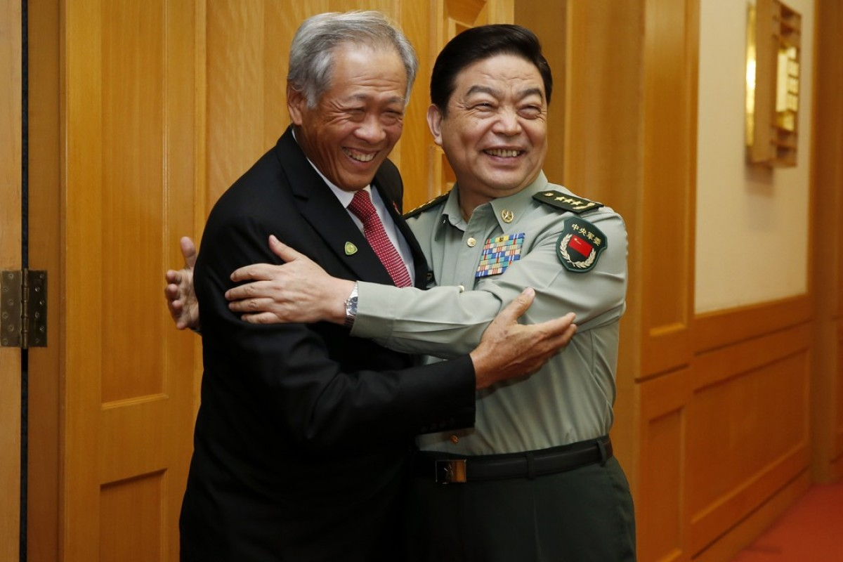 Ng Eng Hen (left), Singapore's defence minister, greets Minister of Defence Chang Wanquan in Beijing in September. Photo: CNS