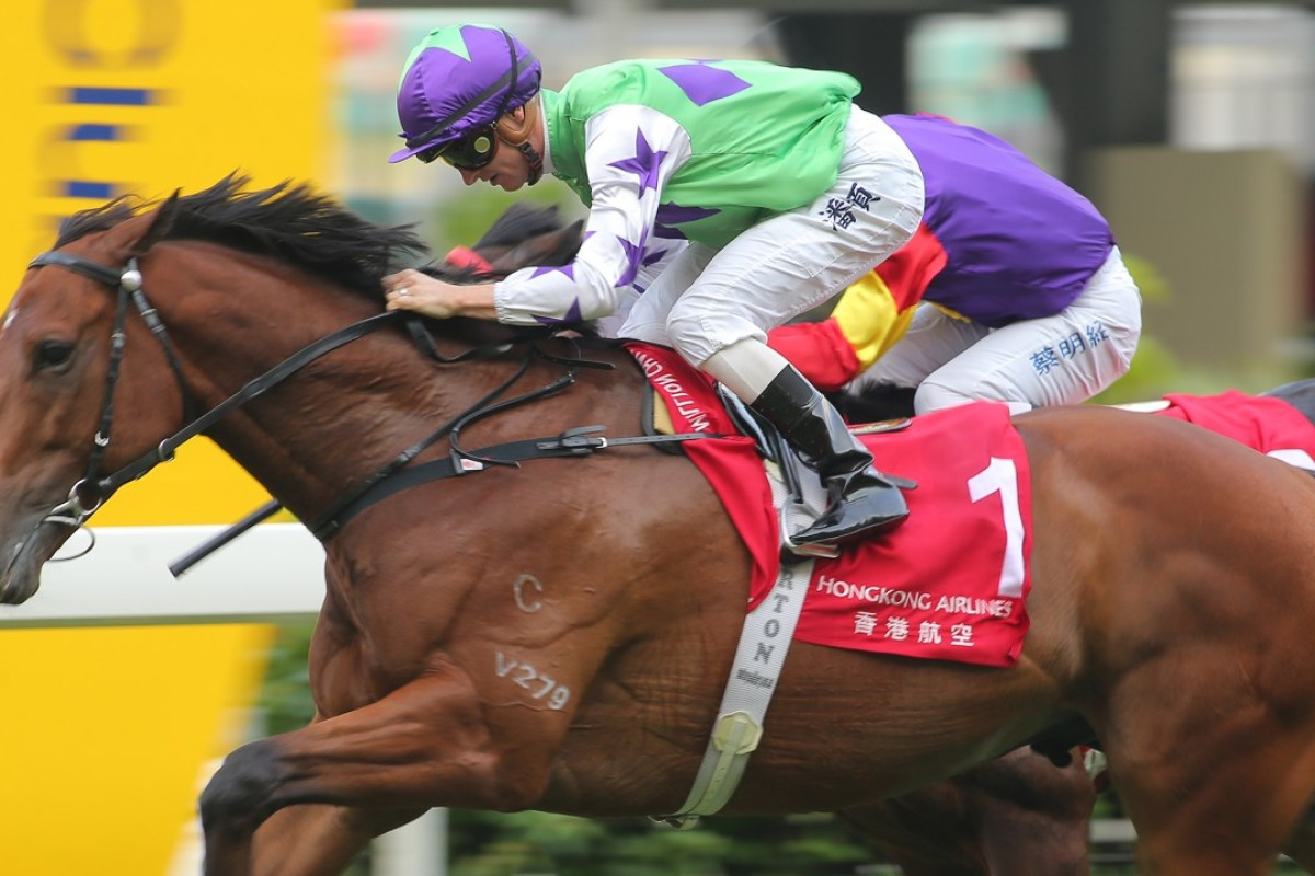 Zac Purton guides Thunder Stomp to victory at Happy Valley in October. Photos: Kenneth Chan