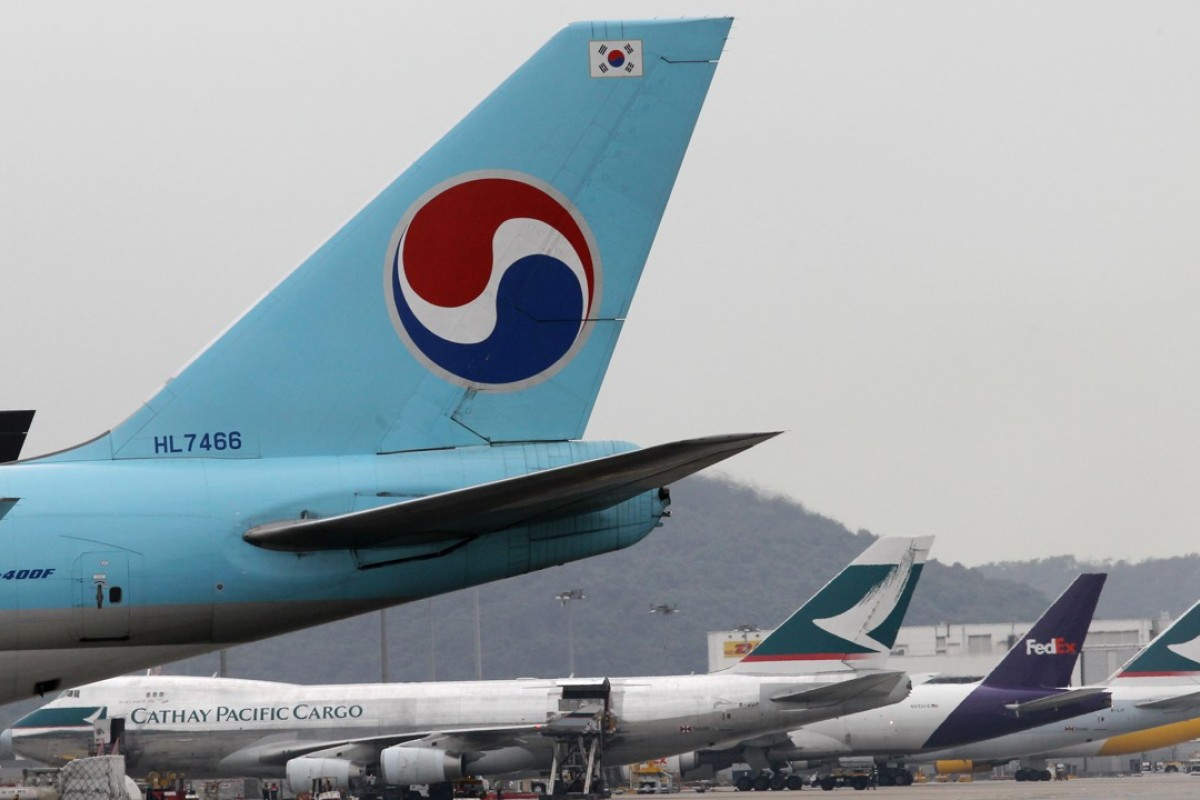 A Korean Air passenger plane at Hong Kong International Airport. An online chat room has become a forum for those to complain about the family running the airline. Photo: Edward Wong