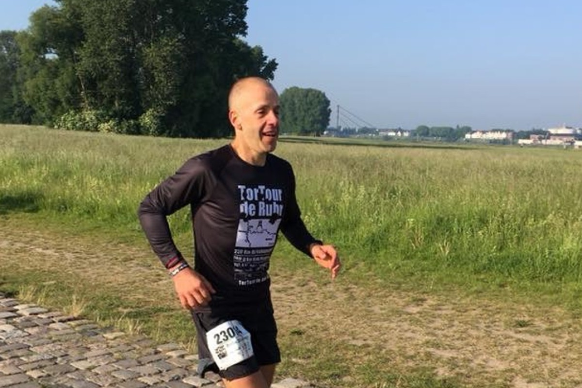 Andre Blumberg nears the end of the TorTour de Ruhr ultra marathon. He took the lead early and worried he was going too fast too soon, but kept a steady pace. Photo: Jens Witzel