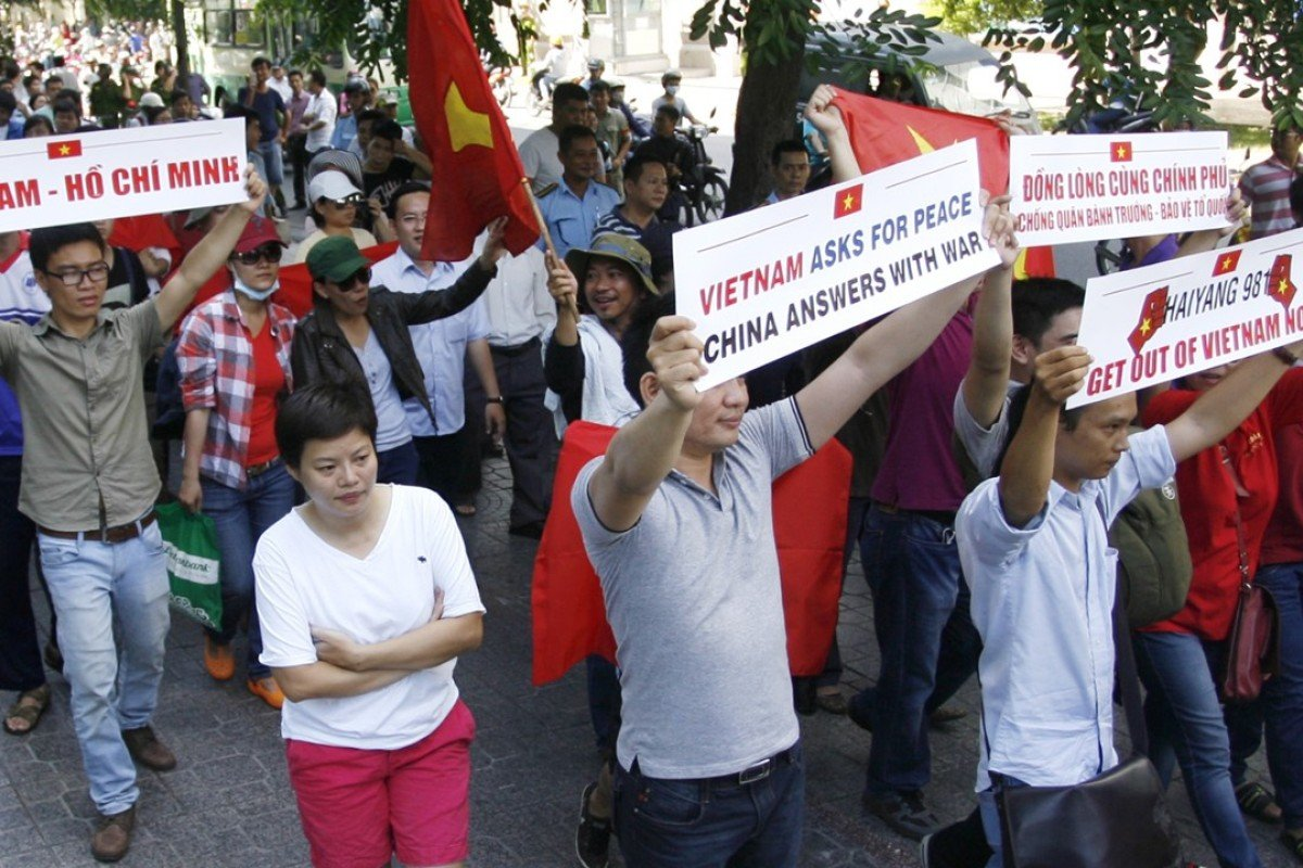 Vietnamese protest against China's deployment of an oil rig in the disputed South China Sea. Photo: AP